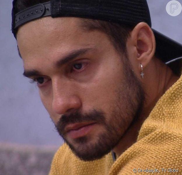 Na estreia de 'A Fazenda 13', Bil Araújo lembrou de participação no 'BBB21' e citou Karol Conká: 'Não desejo mal'