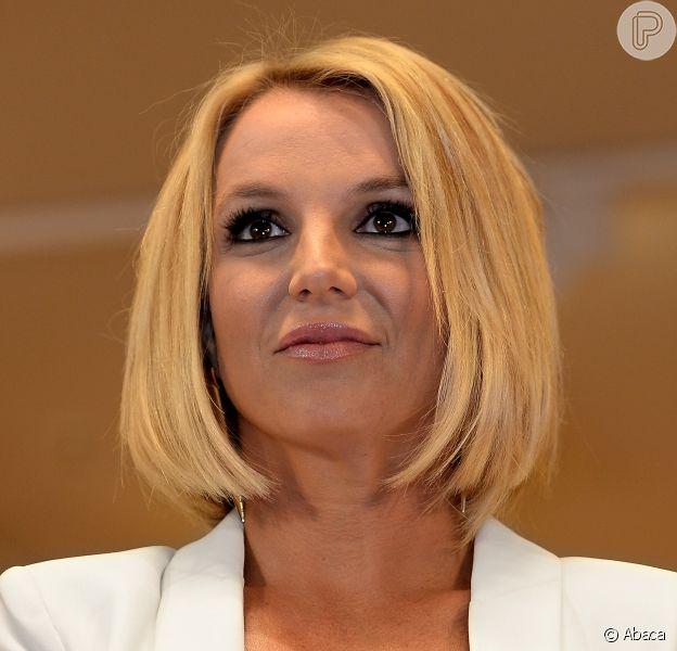 Britney Spears completa 33 anos nesta terça-feira, dia 2 de dezembro de 2014, e celebra o aniversário com novo visual