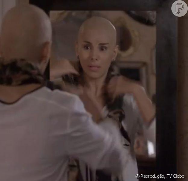 Helena Fernandes, que interpreta Lucrécia em 'Malhação Sonhos', aparece careca no capítulo 100. 'É truque', conta a atriz ao Purepeople, nesta segunda-feira, 1º de dezembro de 2014