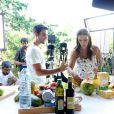Ivete e o marido, Daniel Cady, gravam um dos vídeos do programa