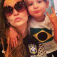 Patriotas! Fernanda Rodrigues e Luisa torceram juntas para o Brasil durante a Copa