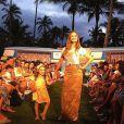 Supertalentosa! Luisa deu um show de simpatia ao lado da mãe, Fernanda Rodrigues, durante um desfile na Bahia