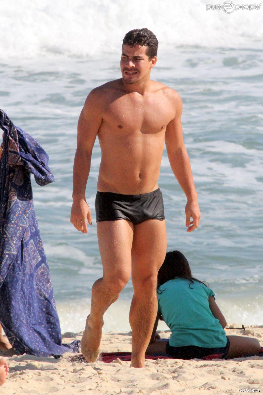 Thiago Martins conta que já perdeu 3kg para viver o saltador ornamental Diogo na novela 'Babilônia': 'Agora, já não estou preocupado em emagrecer, mas em manter a massa magra'