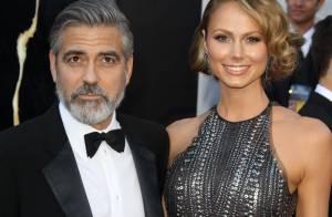 George Clooney e Stacy Keibler jantam juntos e provam que ainda estão namorando
