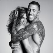 Jennifer Aniston posa de topless com seu hairstylist para revista