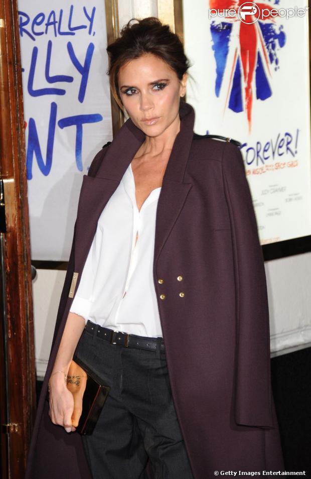 Victoria Beckham revelou usar um hidratante simples e barato para cuidar da pele, em entrevista para a revista 'Hello!', em março de 2013