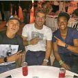 Neymar curte pagode ao lado de amigos na noite de sexta-feira, 26 de dezembro de 2014, em Uberlândia, em Minas Gerais