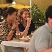 Patrícia Pillar relaxa após fim de 'Lado a Lado' e toma chope com amigas no Rio