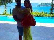 Marina Ruy Barbosa, de vestido transparente, aparece agarradinha com o namorado