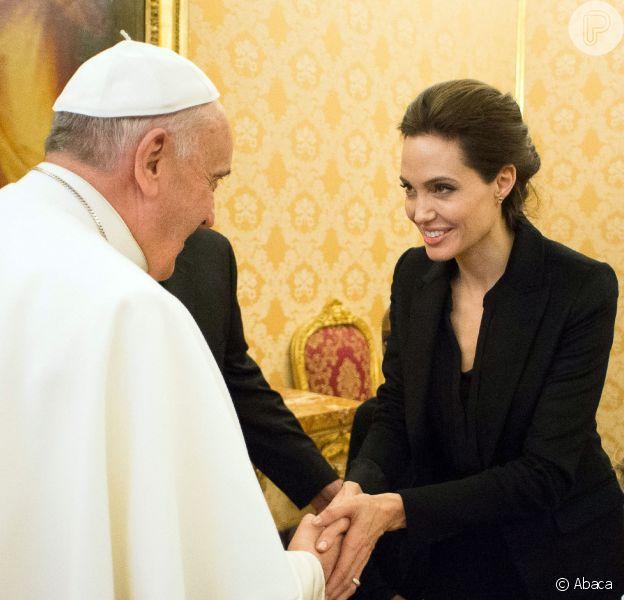 Angelina Jolie conheceu o Papa Francisco durante uma audiência privada no Vaticano nesta quinta-feira, 8 de janeiro de 2015