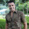 Jarbas Homem de Mello faz participação em 'Pé na Cova'