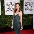 Michelle Monaghan apostou em vestido verde musgo trabalhado em brilhos para comparecer ao evento