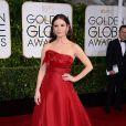 Catherine Zeta Jones também foi umas das artistas que apostaram na cor vermelha para brilhar no red carpet