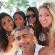 Dixie Pratt tem mostrado intimidade com as filhas de Romário, seu namorado