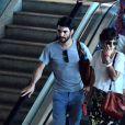 Caio Blat e Maria Ribeiro deixam o aeroporto Santos Dumont, no Rio de Janeiro