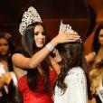 Melissa Gurgel recebeu a coroa de Miss Brasil das mãos de Jakelyne Oliveira