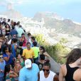 Queen Latifah visita o Cristo Redendor, no Rio de Janeiro. Atriz e cantora está no Brasil desde sábado, 24 de janeiro de 2015