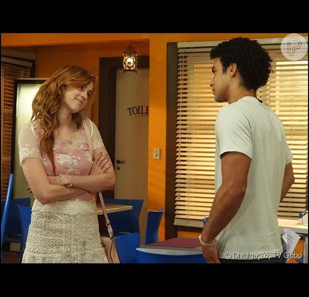 Gaby (Sophia Abrahão) vai admitir que está apaixonada por Emerson (Sérgio Malheiros), na novela 'Alto Astral'