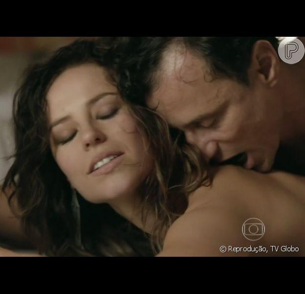 Enrique Diaz comenta cenas quentes com Paolla Oliveira: 'Taxistas dão parabéns'