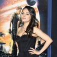 Mila Kunis vai à première, em Los Angeles, nos Estados Unidos, e mostra boa forma quatro meses após o nascimento da filha, Waytt. Evento aconteceu  nesta segunda-feira, 2 de fevereiro de 2015