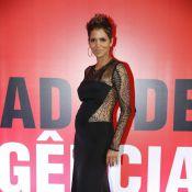 Grávida, Halle Berry exibe barriga de três meses em pré-estreia de filme no Rio