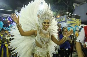 Juliana Alves representa fé em desfile da Unidos da Tijuca: 'É o que me move'
