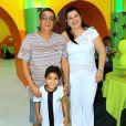 Zeca Pagodinho curte festa do neto Noah em casa de festas no Recreio dos Bandeirantes, no Rio