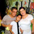 Zeca Pagodinho e a mulher, Mônica, festejam os 5 anos do primeiro neto, Noah