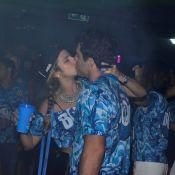 Paula Morais beija moreno em camarote onde Ronaldo esteve com nova namorada