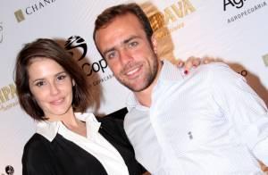 Deborah Secco enche o marido, Roger Flores, de elogios: 'Tenho orgulho dele'