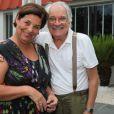Luiz Serra e Cláudia Mello também estavam na churrascaria para a estreia de 'Sete Vidas'