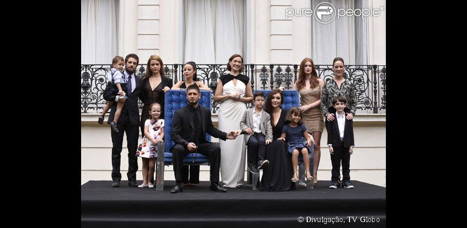 A novela 'Império' termina com a tradicional foto de família. O último capítulo será exibido nesta sexta-feira, 13 de março de 2015