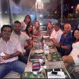 A apresentadora jantou com a equipe do programa 'Assim Somos', previsto para estrear na primeira quinzena de abril no canal a cabo E+