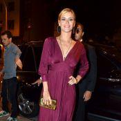 Carolina Dieckmann usa vestido decotado na festa de 60 anos de Lulu Santos