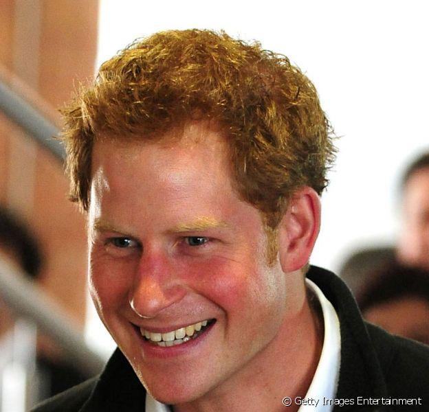 Príncipe Harry está empolgado que será titio de um menino e está espalhando a novidade para amigos, segundo informações do 'The Mirror', nesta segunda-feira, 6 de maio de 2013