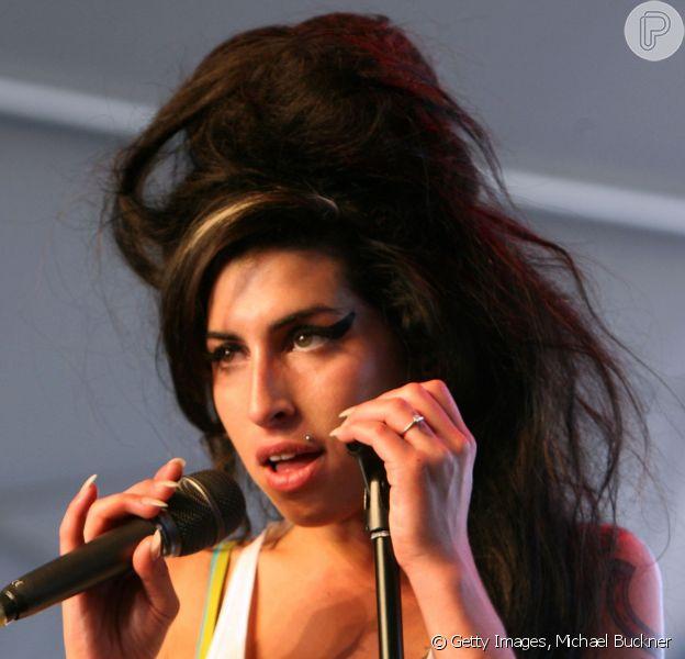 Trailer do documentário 'Amy', sobre a vida da cantora Amy Winehouse, foi lançado nesta quinta-feira, 2 de abril de 2015