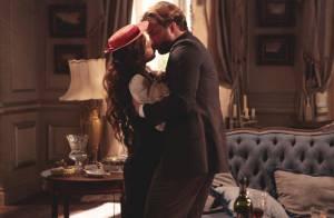 Em 'Lado a lado', acontece o esperado beijo de Laura (Estiano) e Edgar (Fragoso)