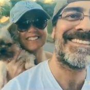 Xuxa e Junno Andrade levam cachorrinho para passear: 'Tô feliz, gente!'