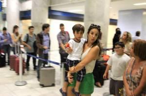 Ivete Sangalo embarca com o filho, Marcelo, após show no Rio de Janeiro
