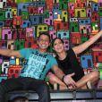 Anitta aposta em look com transparência para show no Rio com famosos na plateia, em 18 de abril de 2015