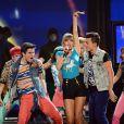 Além se receber oito prêmios, Taylor Swift subiu ao palco para cantar seu novo single '22', do álbum 'Red'
