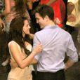 Robert Pattinson deixa a casa de Kristen Stewart