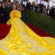 Rihanna foi responsável por um dos looks mais comentádios do Met Gala 2015
