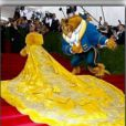 Piadas foram feitas com o vestido de Rihanna no Met Gala 2015