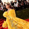 Vestido de Rihanna levou dois anos para ficar pronto e foi inspirado na cultura chinesa