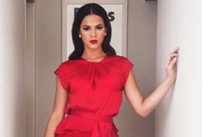 Bruna Marquezine usa vestido fendado na festa de casamento da cantora Preta Gil