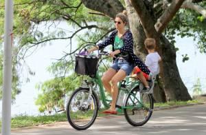 Fernanda Lima curte passeio pela Lagoa com os filhos gêmeos, João e Francisco