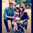 Ticiane Pinheiro posou ao lado da filha, Rafaella Justus, vestida de caipira, e do então marido, Roberto Justus, em 18 de maio de 2013
