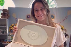 Fernanda Gentil, grávida de seis meses, faz chá de bebê do primeiro filho