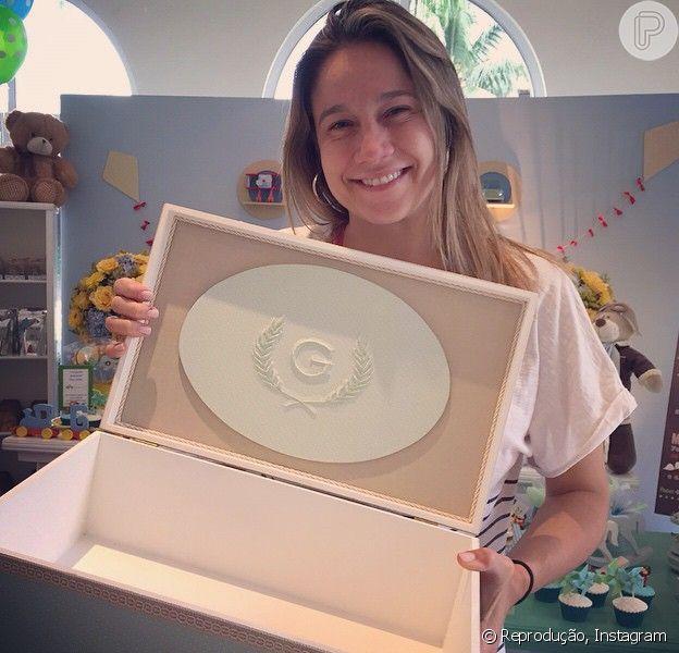 Grávida de seis meses, Fernanda Gentil faz chá de bebê do seu primeiro filho